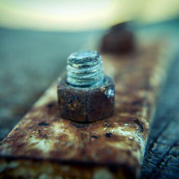 Screws rust